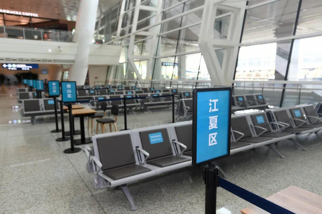 4月8日零时起,天河国际机场恢复商业客运航班正常运行,复航各项准备工作已就绪 长江日报记者周超 摄