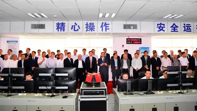 2019年9月27日,在国内知名院士、专家、客户代表的共同见证下,东汽F级50兆瓦重型燃机点火成功。 德阳市委宣传部 供图